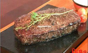 Beefsteak Nướng Trên Đá Nóng Hấp Dẫn Như Thế Nào?